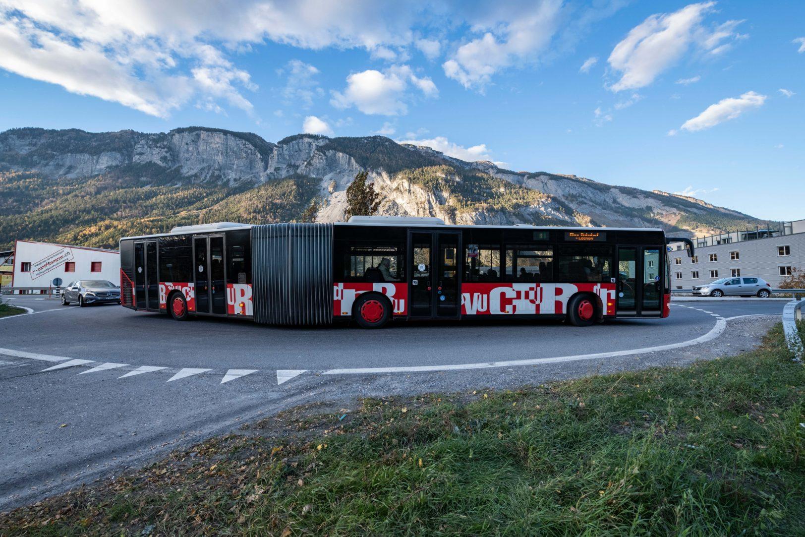 Chur Bus bei der Abzweigung Felsberg
