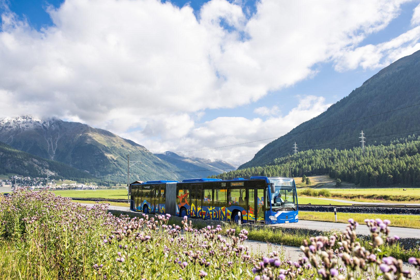 Engadin Bus im Sommer